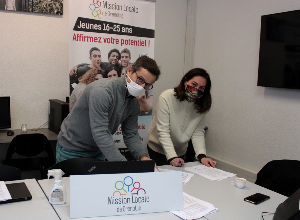 Signature convention entre Mission Locale de Grenoble et Schneider Electric
